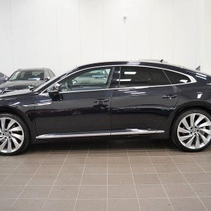 Arteon Black 1
